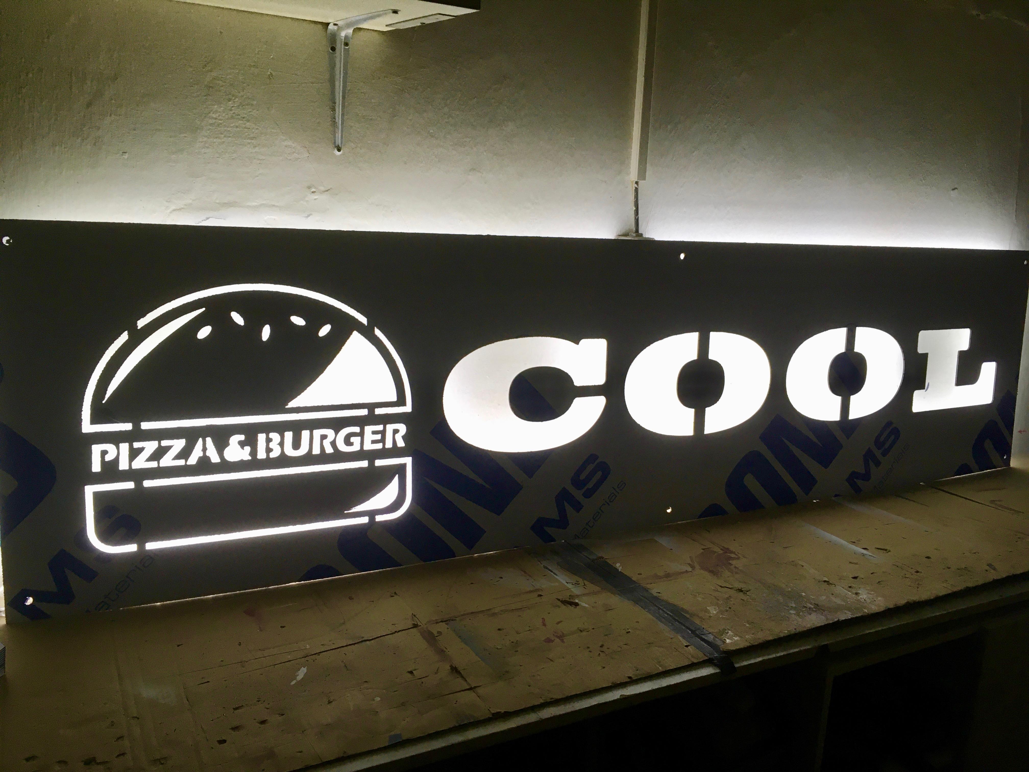 světelná reklama, podsvícená reklama, světelný nápis, podsvícený nápis, světelná cedule