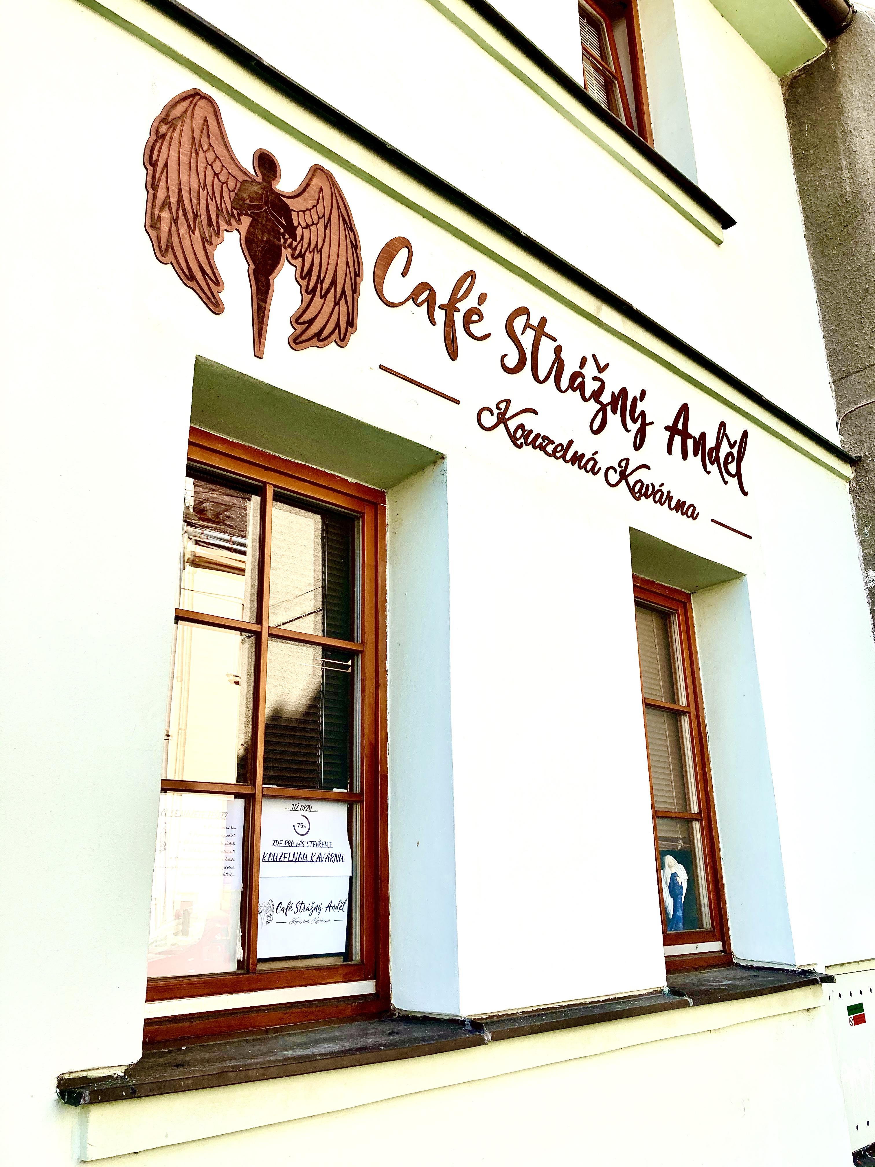 Dřevěné logo, označení provozovny, označení kavárny, designové logo, logo, dřevo